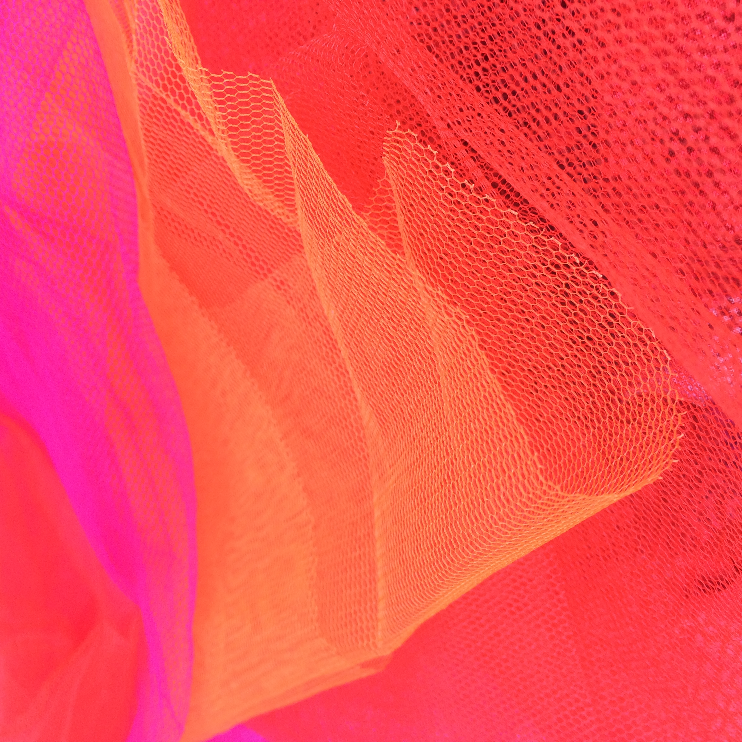 get some red netting, go from orangy reds all the way to bluey pinks.